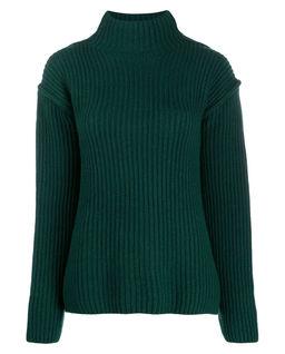 Zelený vlněný svetr