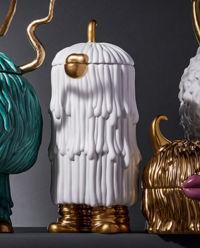 Porcelanowy dzbanek ze złotem Djuna