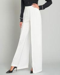 Białe wysmuklające spodnie z klapami