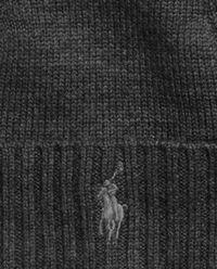 Szara czapka z wełny