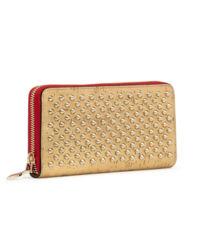Skórzany portfel z ćwiekami
