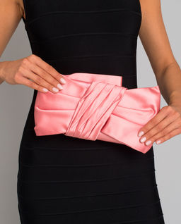 Różowa kopertówka z kokardą