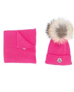 Różowa czapka i szalik