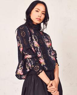 Koronkowa bluzka w kwiaty