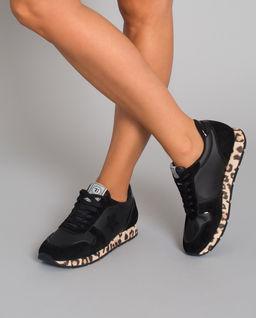 Sneakersy z motywem pantery