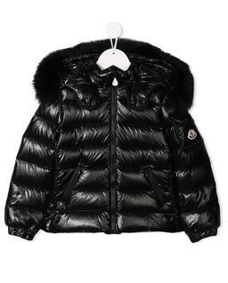 Czarna kurtka puchowa