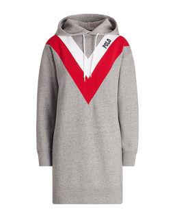 Šaty s kapucí