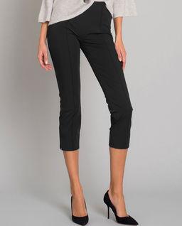 Czarne spodnie wyszczuplające
