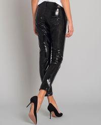 Czarne spodnie z połyskiem