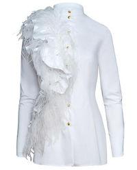 Biała bluzka z naturalnymi piórami