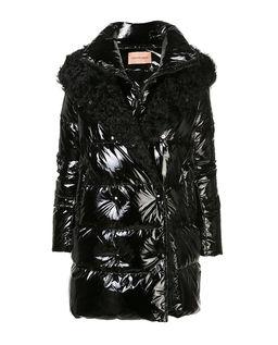 Czarna kurtka puchowa z kożuchem