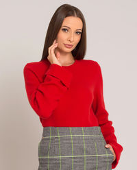 Czerwony sweter z kaszmirem