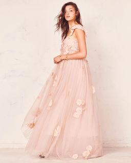 Tiulowa sukienka maxi