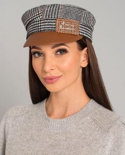 Vlněná kostkovaná čepice se štítkem