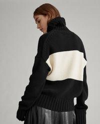 Dwukolorowy sweter z wełny