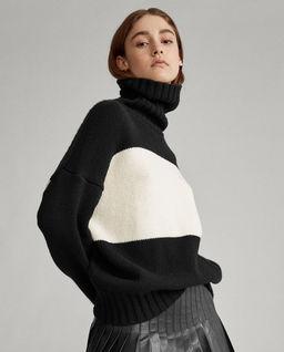 Dvoubarevný vlněný svetr
