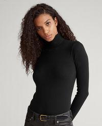 Černý svetr s rolákem