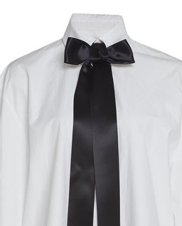 Biała koszula z kokardą