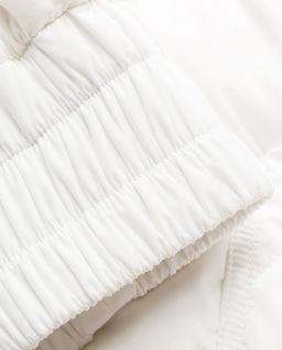 Biała kurtka puchowa