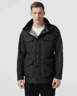 Czarna kurtka z odpinanym kapturem