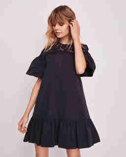 Czarna sukienka babydoll