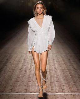 Biała sukienka Yaxo