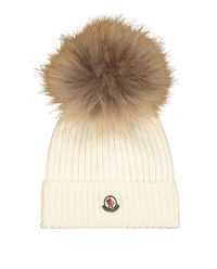 Biała czapka i szalik