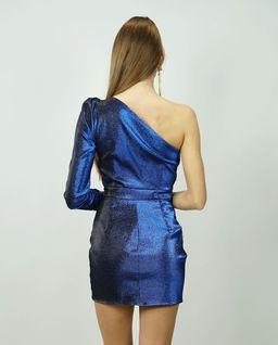 Niebieska sukienka z klamrą