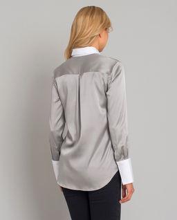 Jedwabna koszula z białymi mankietami