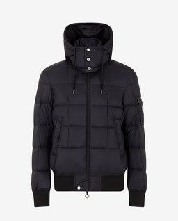 Czarna pikowana kurtka