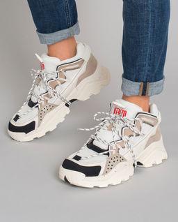 Białe sneakersy Inka