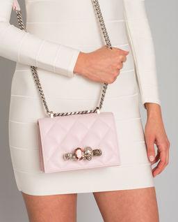Różowa  torebka z pierścieniami