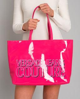 Różowa torba z logo marki