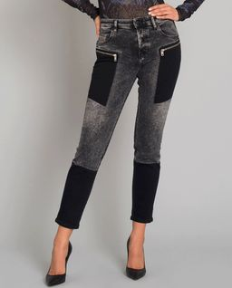 Szare jeansy z aplikacją
