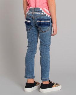 Jeansy z ozdobnymi kieszeniami