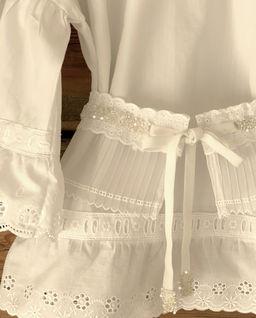 Bluzka biała z paskiem