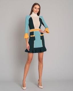 Niebieska sukienka z falbanką