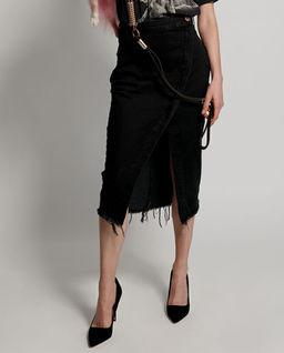 Czarna spódnica jeansowa z rozcięciem