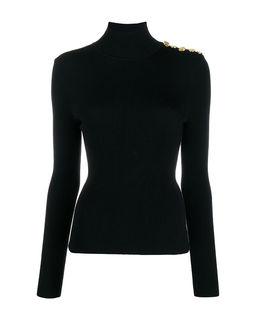 Czarny sweter z golfem