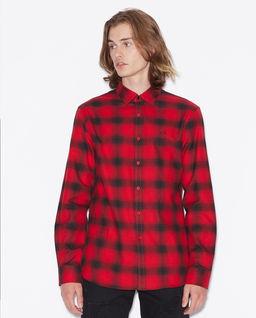 Czerwona koszula w kratę