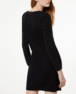 Czarna sukienka z jetami