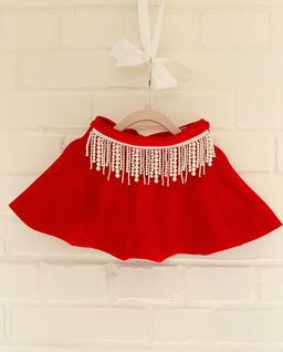 Czerwona spódnica z perłami