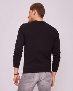 Czarna bluza z czaszką