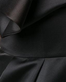 Czarna sukienka z marszczeniami
