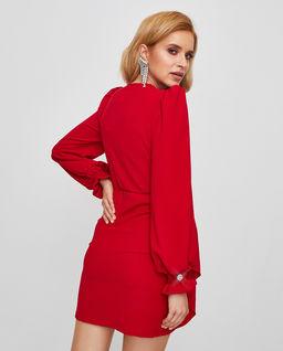 Czerwona sukienka z aplikacją Parisa