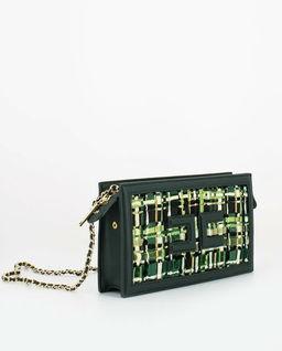 Zielona torebka na łańcuszku