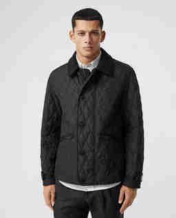 Czarna kurtka pikowana