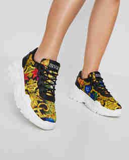 Sneakersy s barevným potiskem