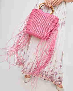 Różowa torba ze słomy