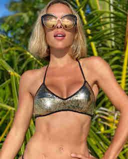 Złoty top od bikini Mina